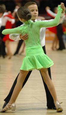 Танцы где видны трусики — 6
